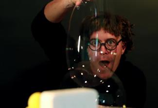 100 gr, ou greg et les bulles de savon magiques